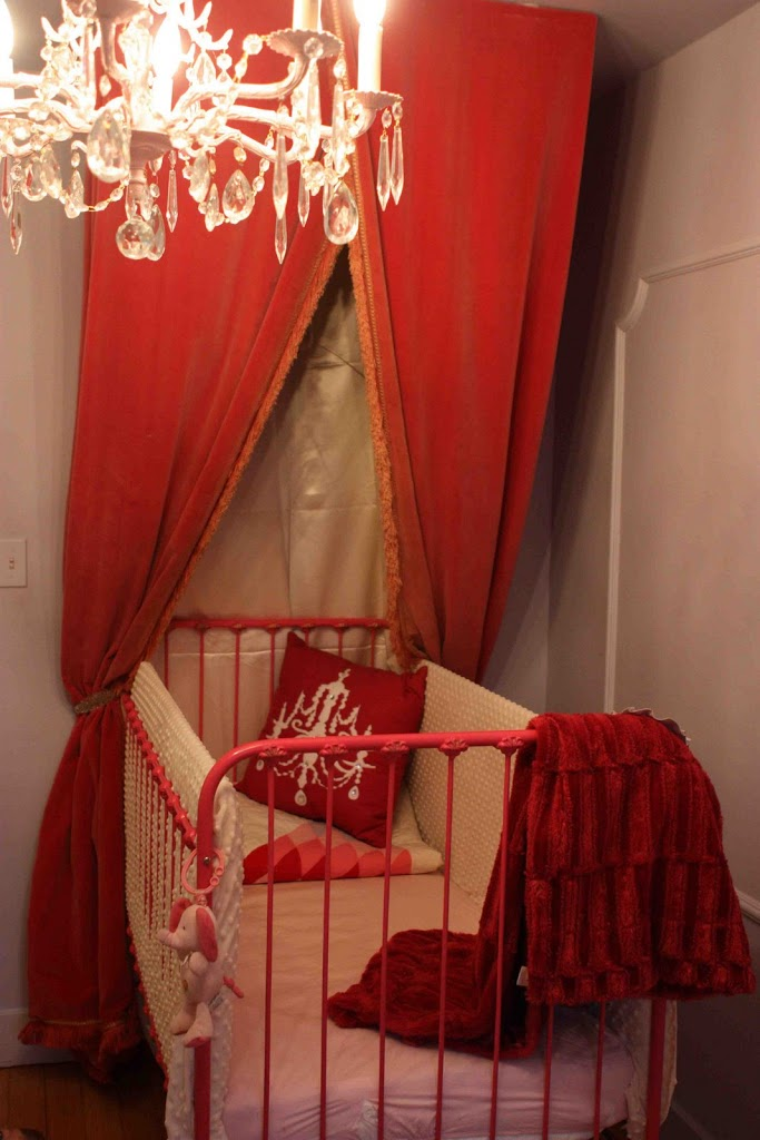 Design on a Centime: La Chambre de la Dauphine! (Amélie's Bedroom)
